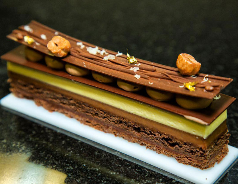 pastry chef amaury guichon gallery 3 This Pastry Chef Can Make Absolutely Anything Out of Chocolate