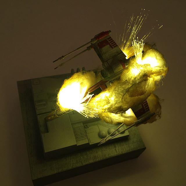 exploding model star wars ships using cotton balls and leds 7 Exploding Model Star Wars Ships Using Cotton Balls and LEDs