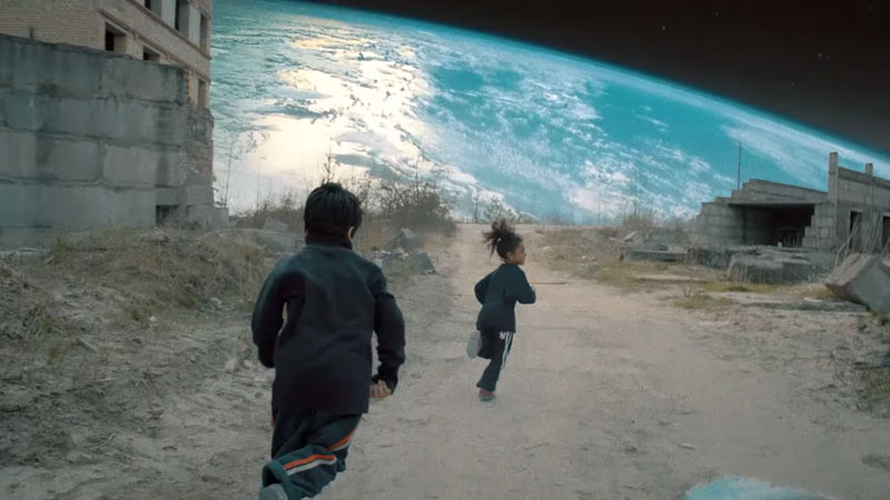 40 Stills from Coldplay's Surreal, Award-Winning VideoUp&Up