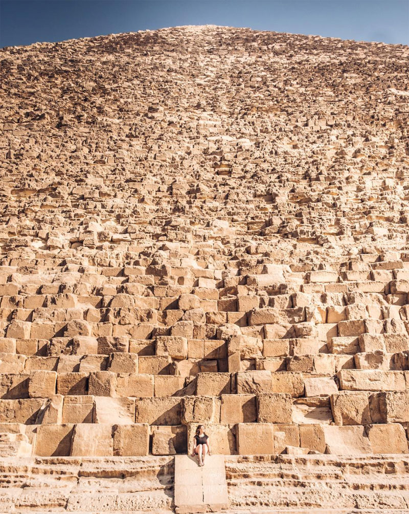 giza pyramind looking up from close up reddit Cool Close Up Puts Immensity of Great Pyramid of Giza Into Perspective