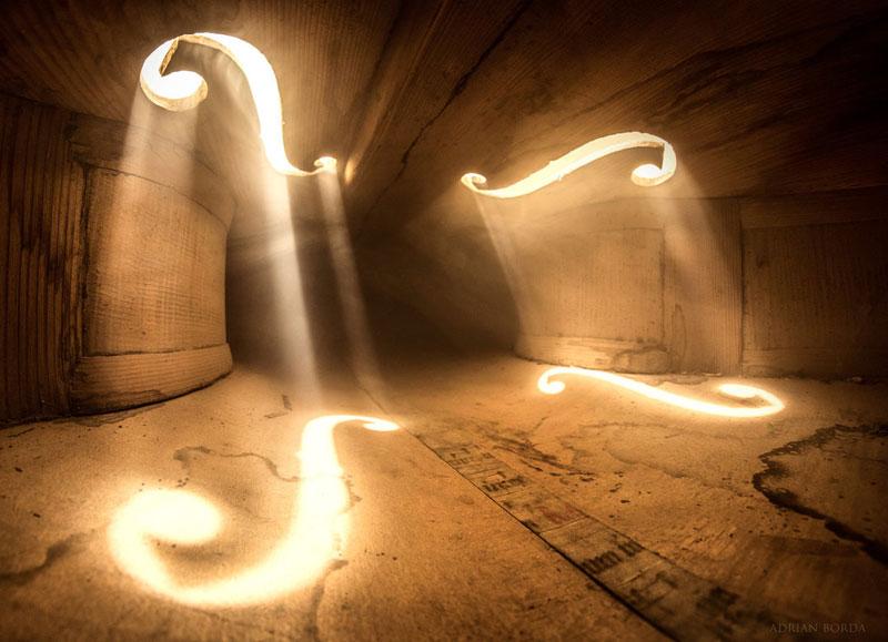photos inside a cello 7 Amazing Photos from the Inside of a Cello