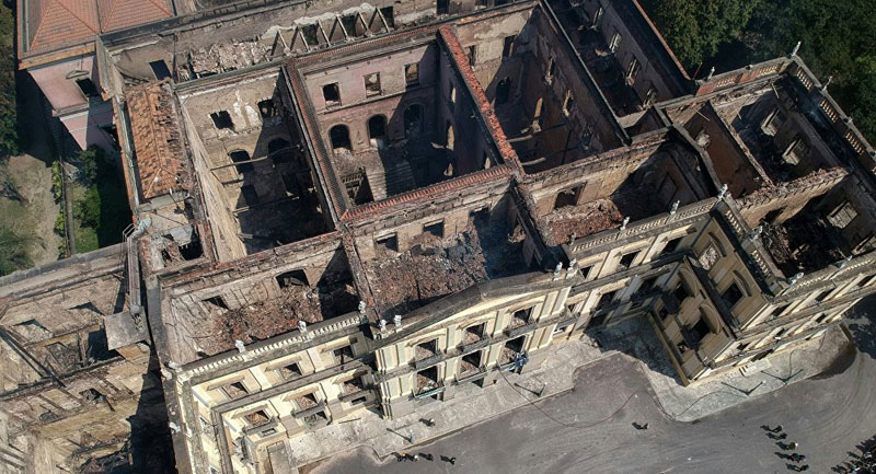 brazil museum rio on fire burns 5 Brazil Suffers Incalculable Cultural Loss as 200 Year Old Museum Burns