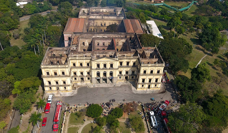 brazil museum rio on fire burns 6 Brazil Suffers Incalculable Cultural Loss as 200 Year Old Museum Burns