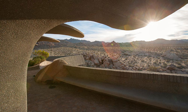desert house by ken kellogg john vugrin 10 This Organic Desert House in Joshua Tree, CA is at One With Its Environment