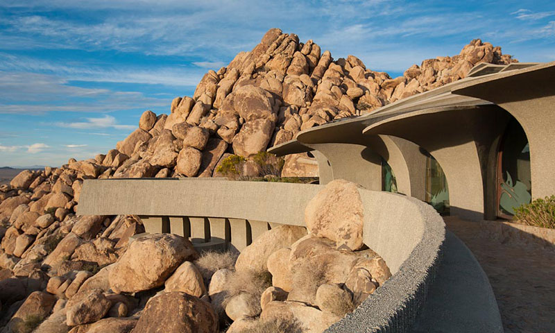 desert house by ken kellogg john vugrin 11 This Organic Desert House in Joshua Tree, CA is at One With Its Environment