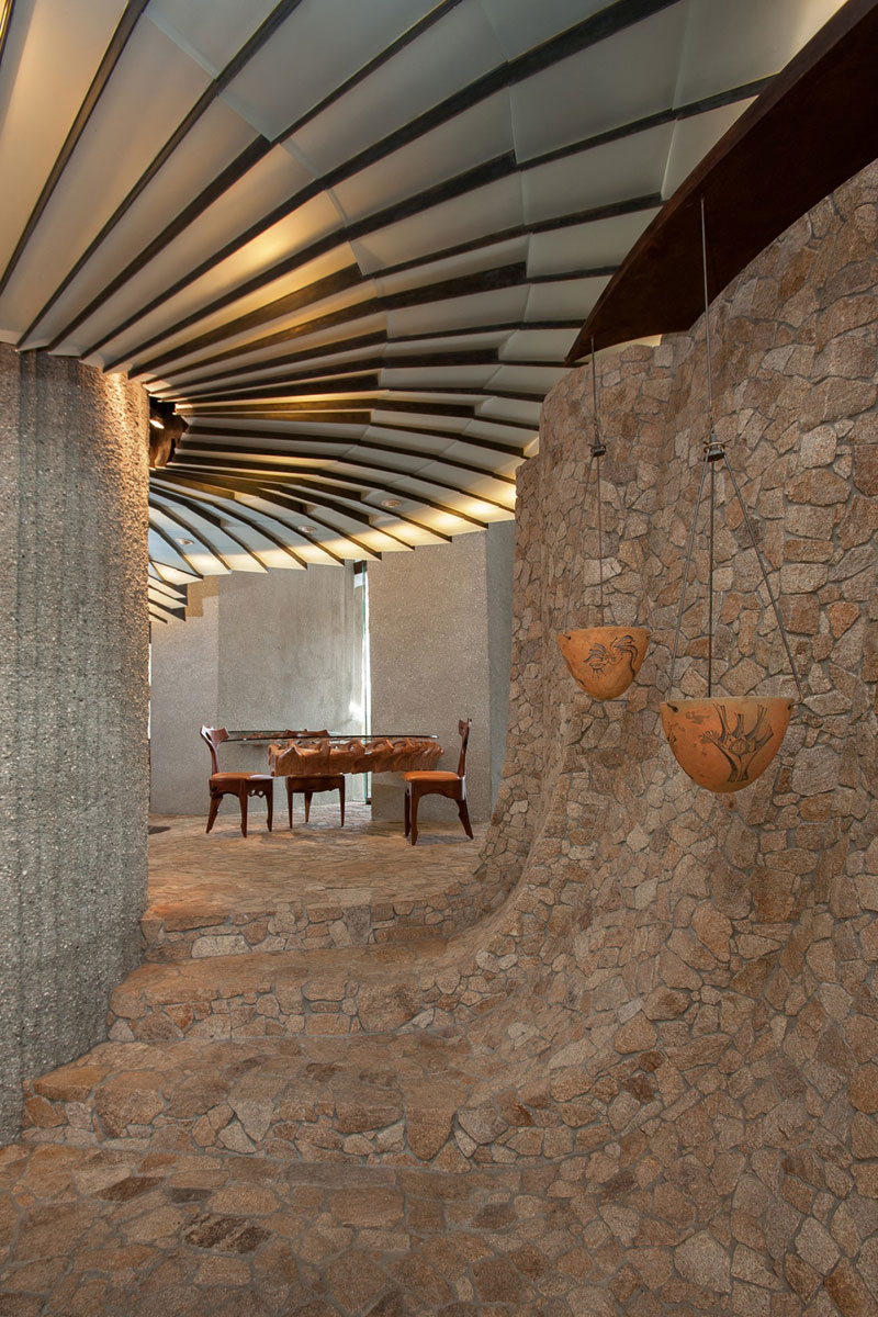 desert house by ken kellogg john vugrin 24 This Organic Desert House in Joshua Tree, CA is at One With Its Environment