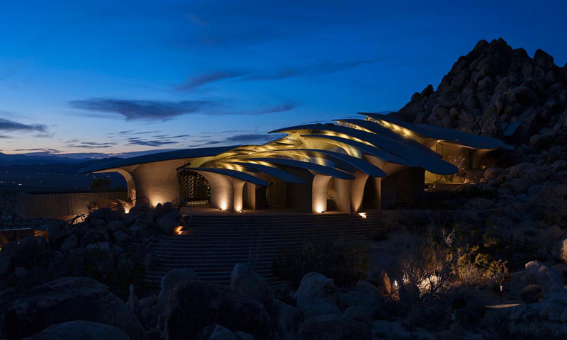 desert house by ken kellogg john vugrin 8 This Organic Desert House in Joshua Tree, CA is at One With Its Environment