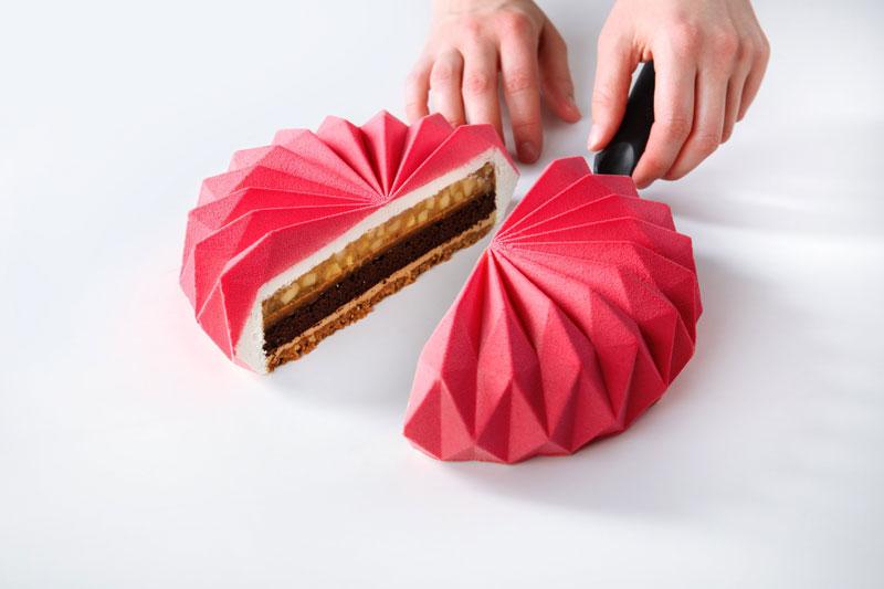 dinara kasko cake art 16 Dinara Kasko Continues to Push the Boundaries of Pastry Design (21 Photos)