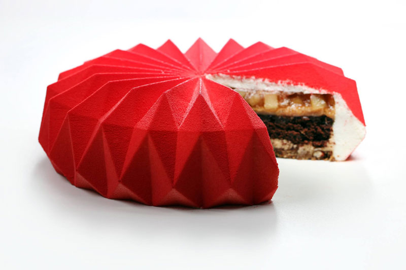 dinara kasko cake art 17 Dinara Kasko Continues to Push the Boundaries of Pastry Design (21 Photos)
