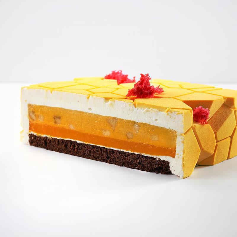 dinara kasko cake art 7 Dinara Kasko Continues to Push the Boundaries of Pastry Design (21 Photos)