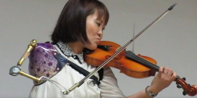 This Woman Playing Violin is the Most Inspiring Thing You'll See Today