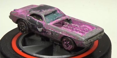 Guy Revives a 1971 Hot Wheels Car from the Dead