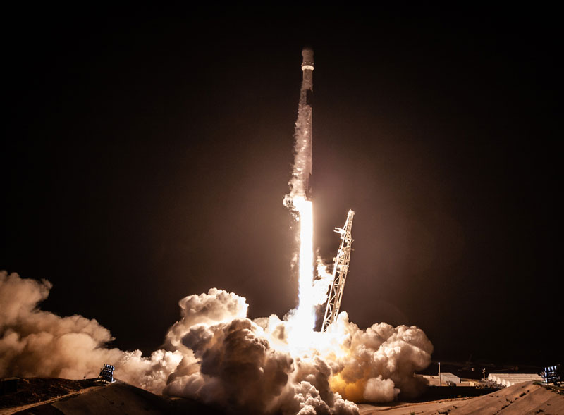 best photos vids and timelapses from spacex launch over la 9 The Best Photos, Videos, and Timelapses from SpaceXs Launch Over LA