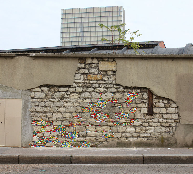 filling holes and cracks in walls with lego jan vormann 8 People Around the Globe Are Filling Cracks With LEGO (10 Photos)