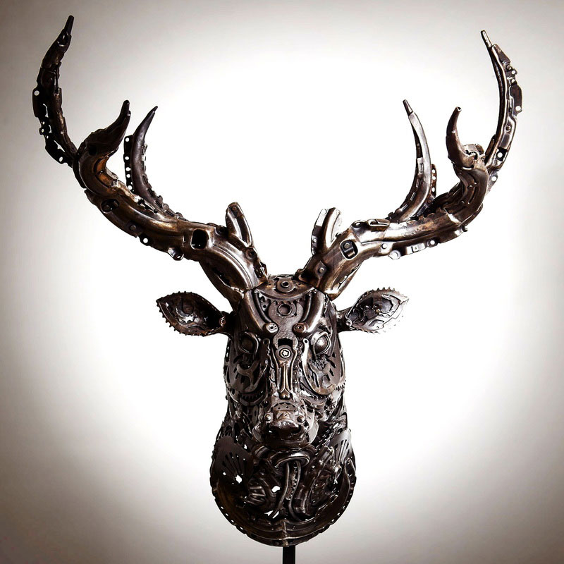 metal animal sculptures by alan williams 10 Alan Williams Recycles Discarded Metal Into Awesome Animal Sculptures