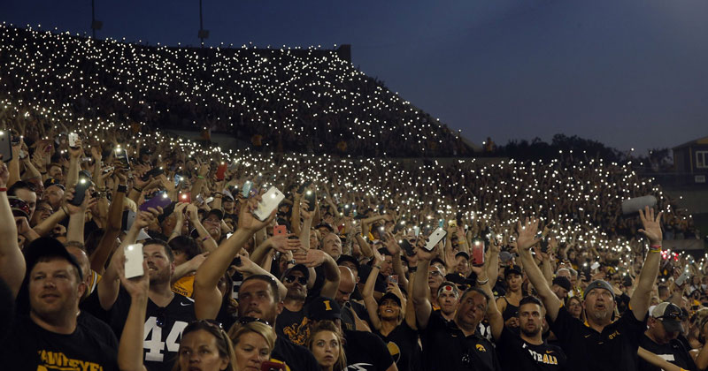 wave to the brave the amazing tradition at every iowa home game 8 Wave to the Brave: The Amazing Tradition at Every Iowa Home Game