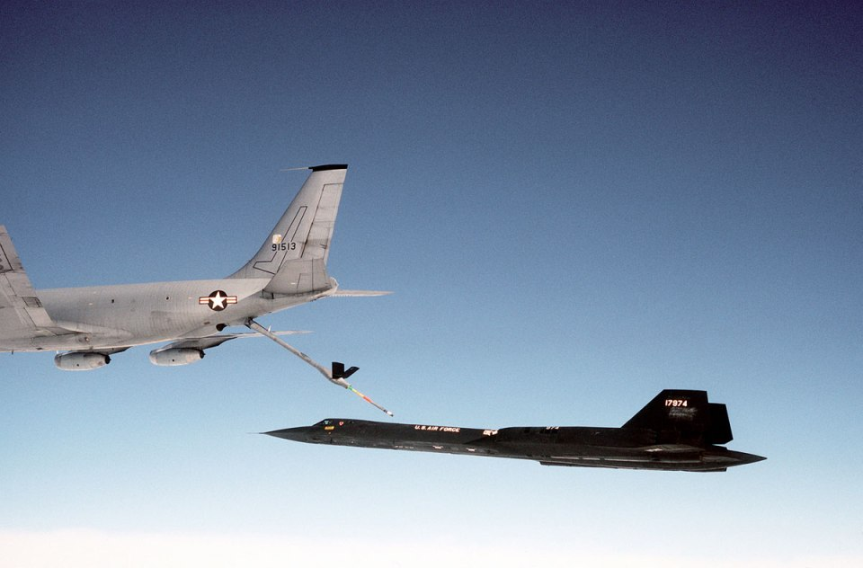 aerial refueling 4 Aerial Refueling Looks as Cool as It Sounds (10 Photos)