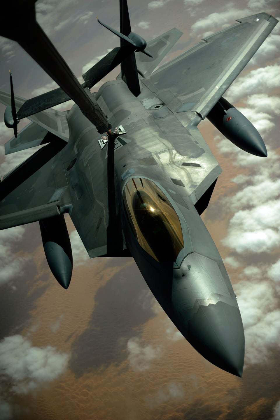 aerial refueling 6 Aerial Refueling Looks as Cool as It Sounds (10 Photos)