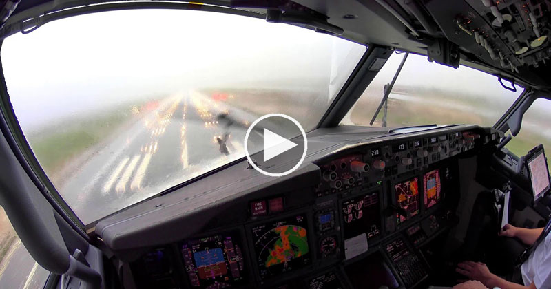 [4K Pilot POV] Landing in an Intense Thunderstorm at Palma de Mallorca