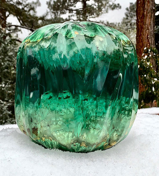 burl and resin sculptures by scott huebner 12 Beautiful Geometric Sculptures Cast From Burls Fused to Resin