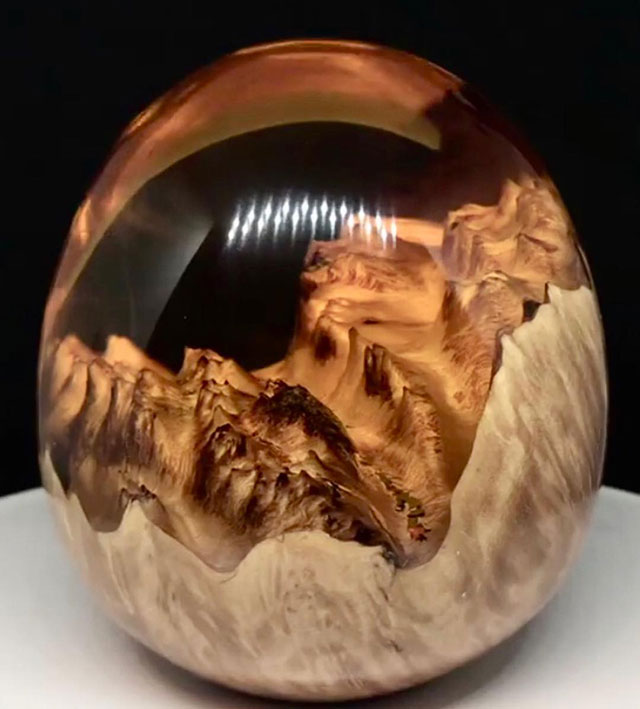 burl and resin sculptures by scott huebner 15 Beautiful Geometric Sculptures Cast From Burls Fused to Resin