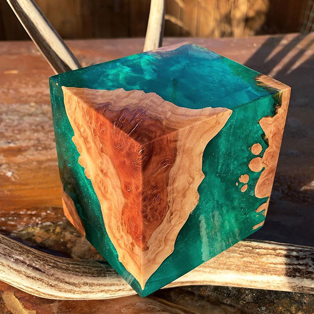 burl and resin sculptures by scott huebner 9 Beautiful Geometric Sculptures Cast From Burls Fused to Resin