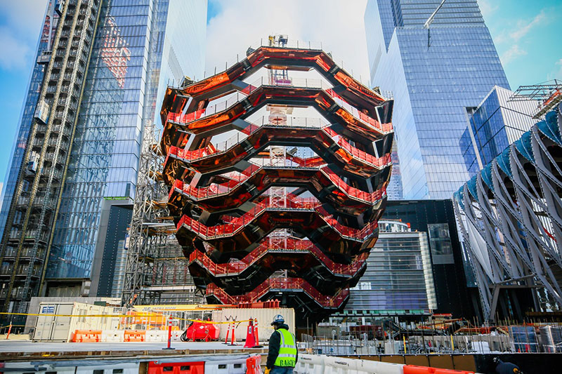 endless staircase in new york hudson yards vessel heatherwick 16 New Yorks Touristy New Public Space is a Giant Endless Staircase