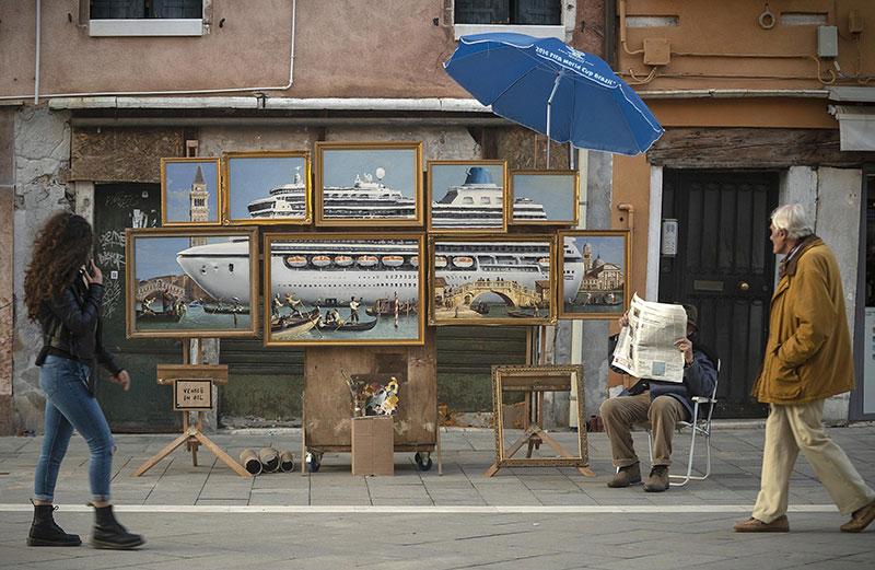 banksy venice in oil Banksy Crashes the Venice Biennale