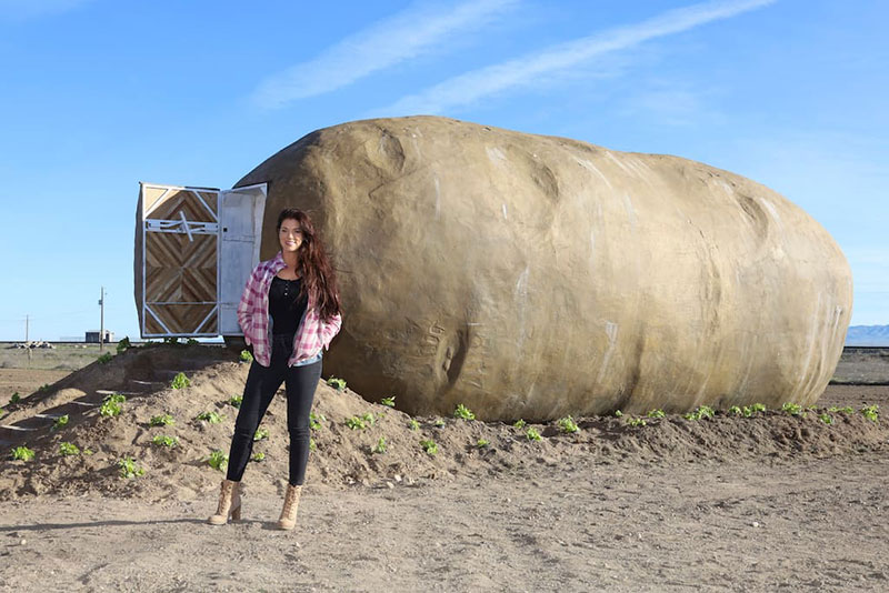 giant potato hotel airbnb idaho 4 Breaking: You Can Finally Spend a Night Inside a Giant Potato