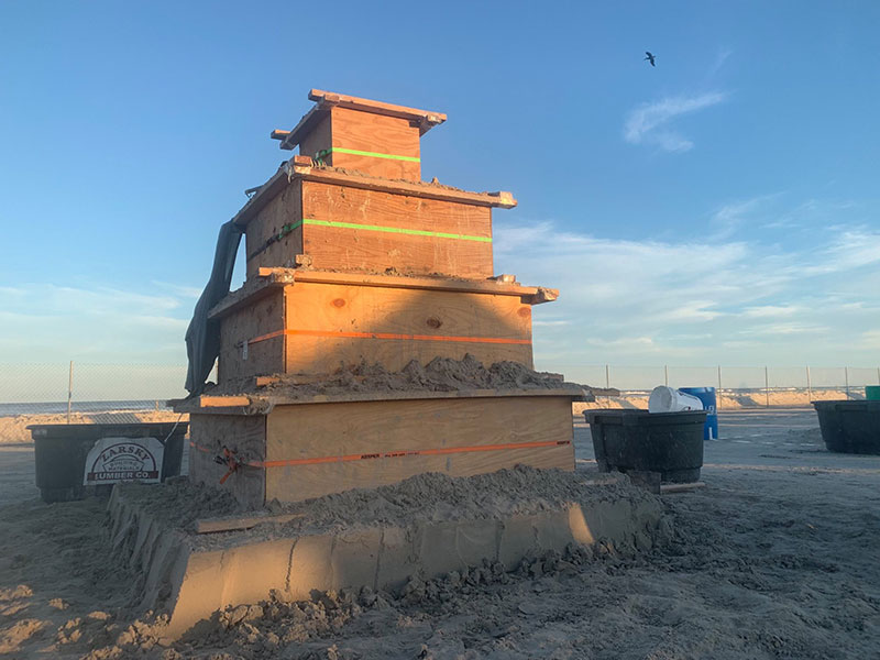 liberty crumbling by damon langlois 6 The Winning Sand Sculpture of the 2019 Texas Sand Sculpture Festival
