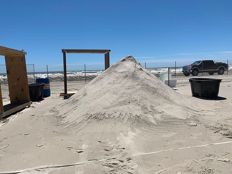 liberty crumbling by damon langlois 7 The Winning Sand Sculpture of the 2019 Texas Sand Sculpture Festival