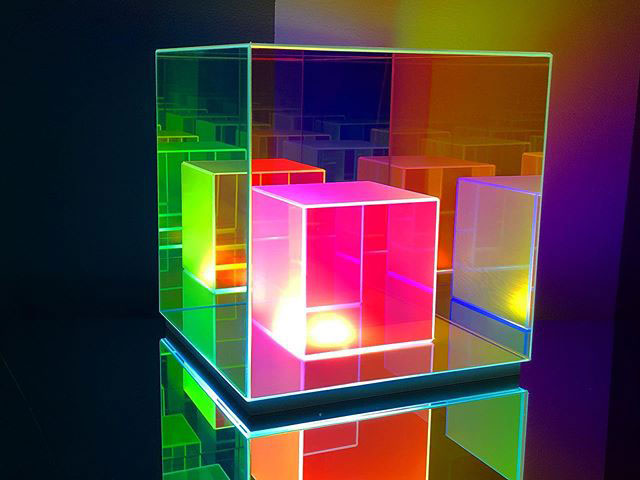 infinity cube lamps by sean augustine march 9 These Infinity Cube Lamps are Incredible (15 Photos)