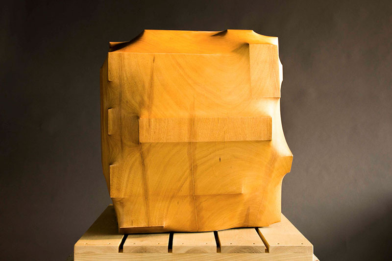 trapped in wood sculptures carved by tung ming chin 13 Trapped in Wood: Haunting Sculptures Carved by Tung Ming Chin