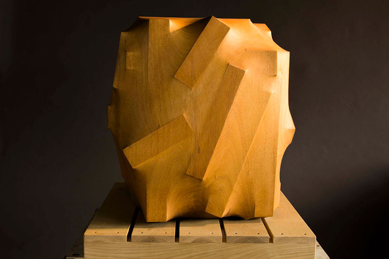 trapped in wood sculptures carved by tung ming chin 15 Trapped in Wood: Haunting Sculptures Carved by Tung Ming Chin