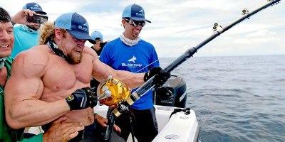 Strongest Men vs StrongestFish