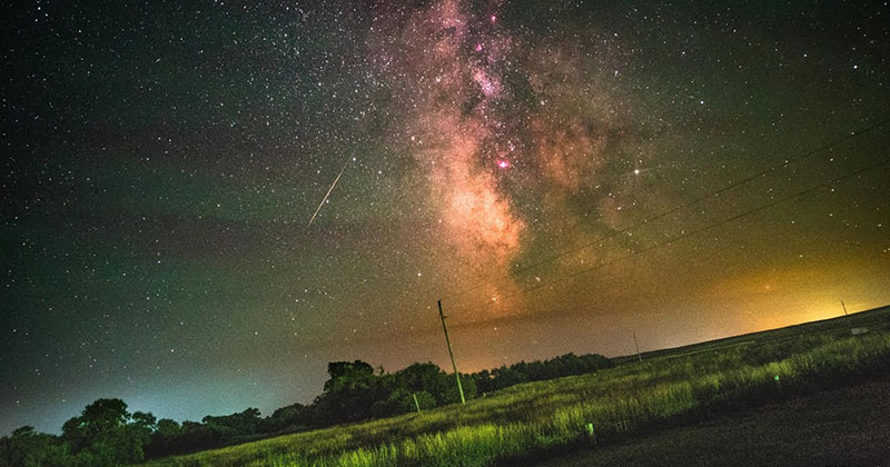 Visualizing the Earth's Rotation With a Timelapse of the Milky Way