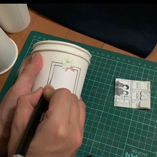 artist finds creative way to use paper cups to tell a love story 2 Artist Finds Creative Way to Use Paper Cups To Tell a Love Story