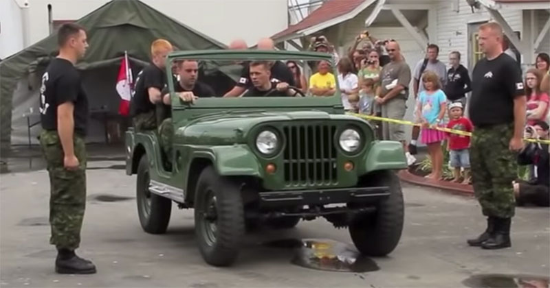Canadian Army Unit Takes Apart Jeep in Under 90Seconds