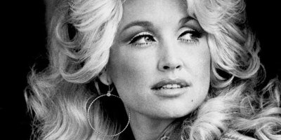 If you Slow Down Dolly Parton's 'Jolene' It Sounds Totally Different YetAmazing