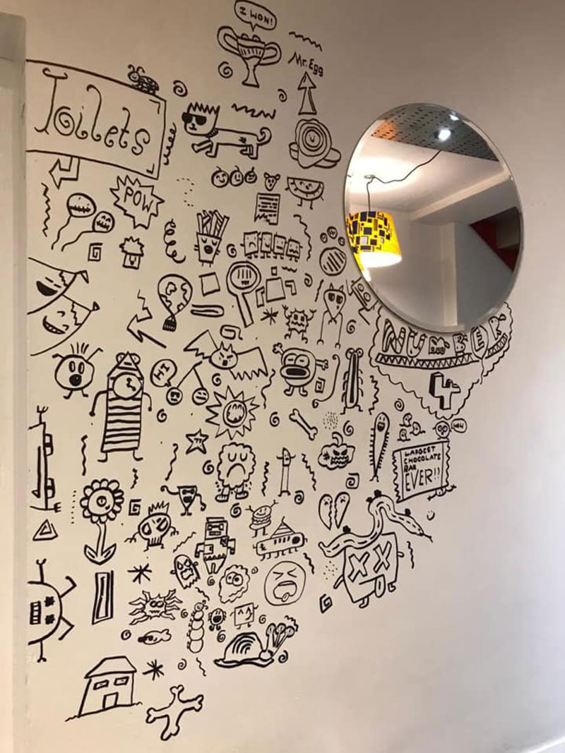 kid told not to doodle in class gets hired by local restaurant to decorate their walls 6 Kid Told Not to Doodle in Class Gets Hired by Local Restaurant to Decorate Their Walls