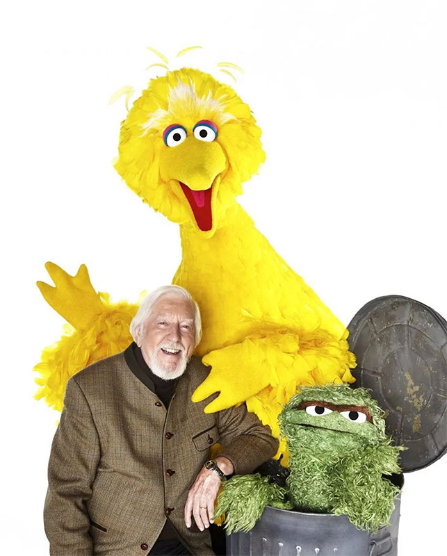 big bird caroll spinney 13 In Memory: 10 Things About Caroll Spinney, the Master Puppeteer Behind Big Bird