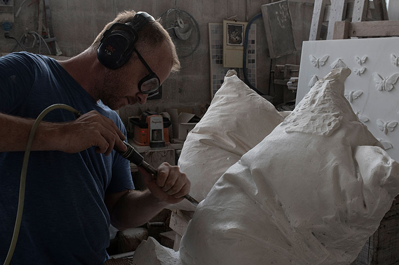 marble pillow sculptures by hakon anton fageras 6 Marble Pillows Chiseled by Hakon Anton Fageras