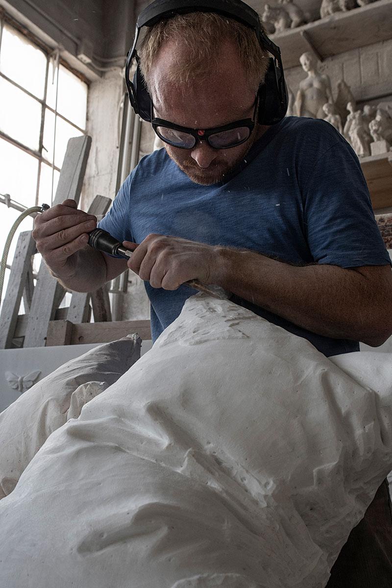 marble pillow sculptures by hakon anton fageras 7 Marble Pillows Chiseled by Hakon Anton Fageras