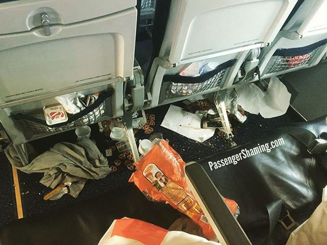 21 people that will absolutely ruin your flight 2 21 People That Will Absolutely Ruin Your Flight