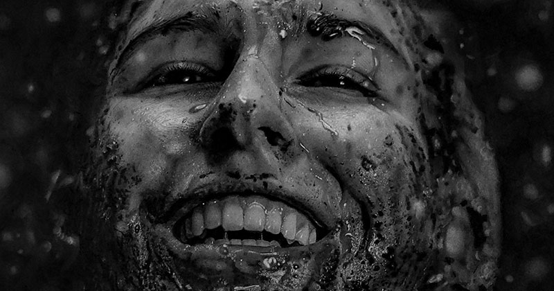 These Hyperrealistic Charcoal Portraits by Dylan Eakin are Incredible
