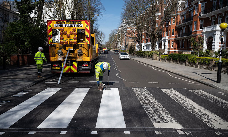 abbey road gets repainted 3 Lockdown in London Lets Abbey Road Get a Fresh Coat of Paint