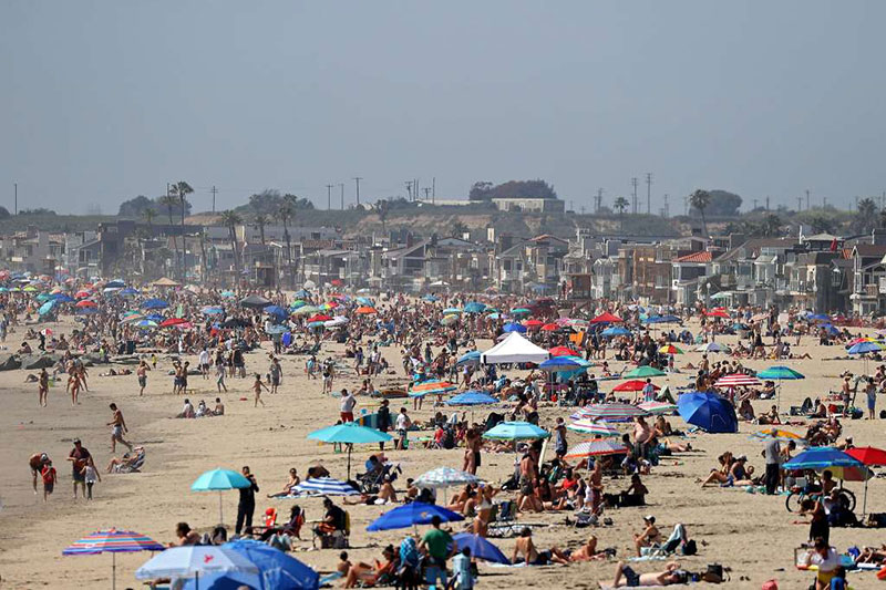 crowds at newport beach This Photo of Newport Beach from this Past Weekend is Just Wow