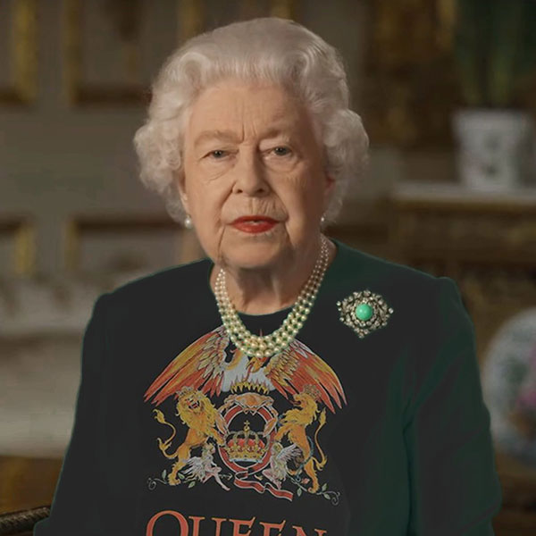 green screen queen photoshop green top 13 The Queen Wore Another Green Screen Outfit and the Internet Rejoiced