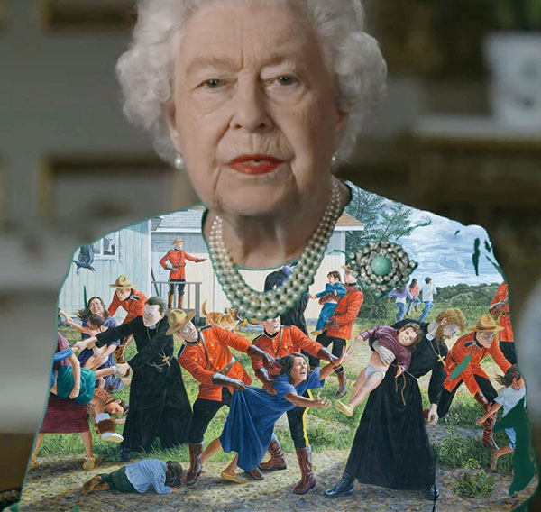 green screen queen photoshop green top 4 The Queen Wore Another Green Screen Outfit and the Internet Rejoiced