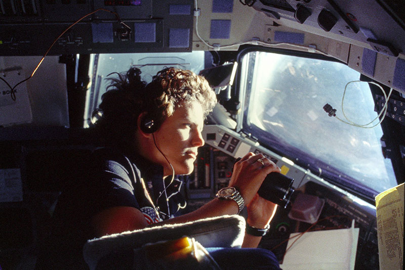 dr kathy sullivan first woman to walk in space and reach deepest point of earth 5 Kathy Sullivan is the First Person to Walk in Space and Reach Deepest Point in Ocean
